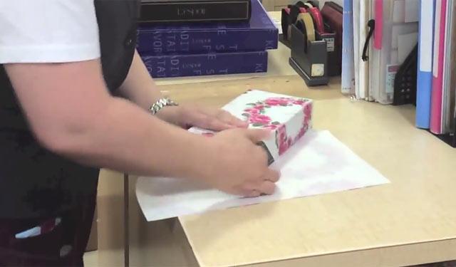 """ハコ包みの王道 """"デパート包み""""のやり方"""