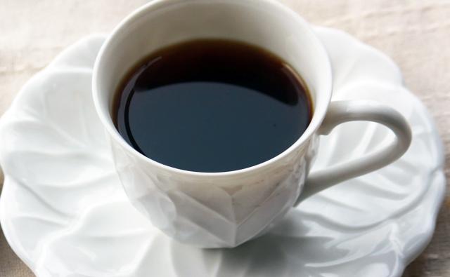 コーヒー・緑茶を毎日数杯飲むことで病死確率減