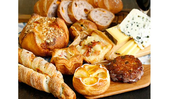 小倉のCOLET地階「ドンク」でパンとチーズのフェア