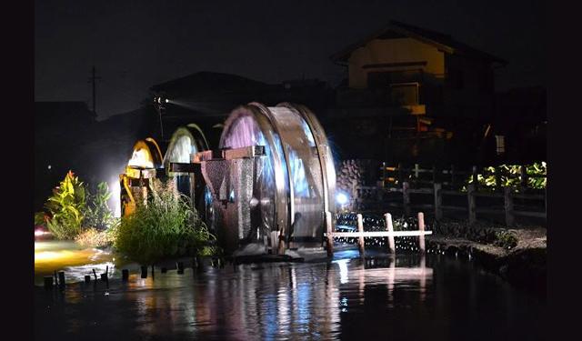 朝倉市の「三連水車」ライトアップ