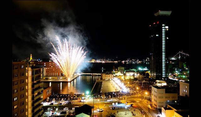 新年を迎えると同時に花火を打ち上げ!「門司港レトロカウントダウン2018」