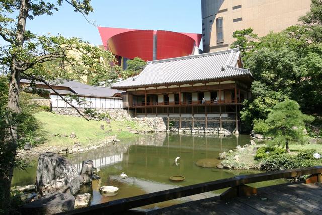 小倉城庭園で先着100名に無料で抹茶(菓子付)振る舞い