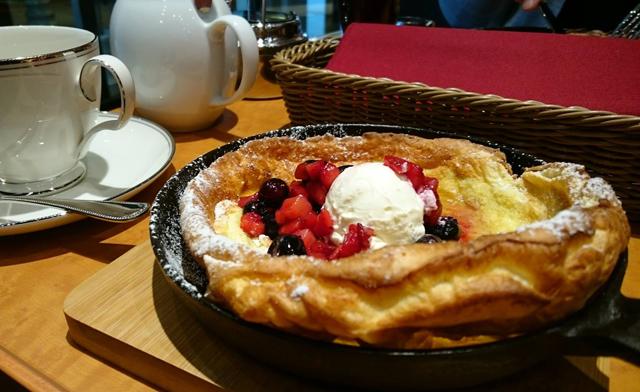 ステーションホテル小倉1Fに読書と飲食が楽しめる店オープン