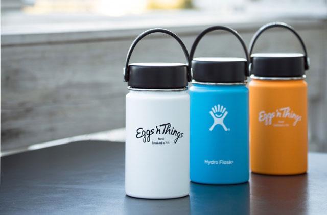 エッグスンシングスが「ハイドロフラスク」とのコラボ商品発売