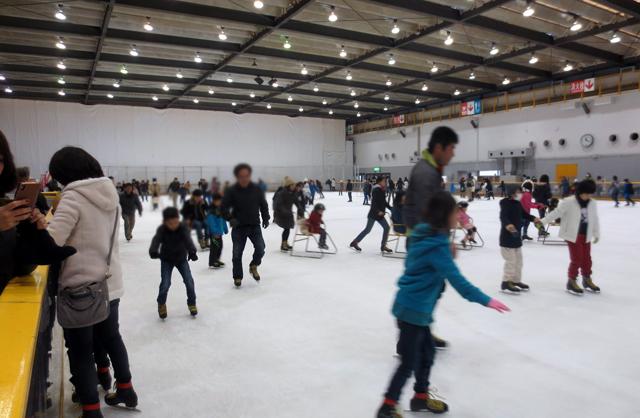 西日本総合展示場「北九州アイススケートセンター」