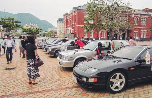 門司港レトロ中央広場一帯で「門司港レトロクラッシックカーフェスティバル」開催