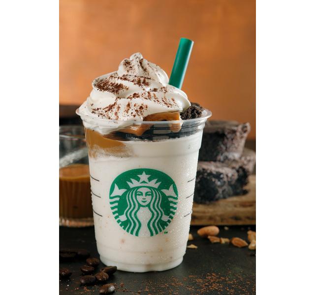 スタバから『チョコレートケーキ トップ フラペチーノ® with コーヒーショット』発売開始