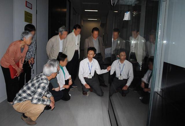 九博が「夜間のバックヤードツアー」開催中