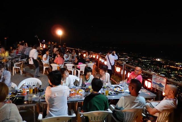 皿倉山頂で乾杯!「星空ビアガーデン」7月13日~9月2日開催