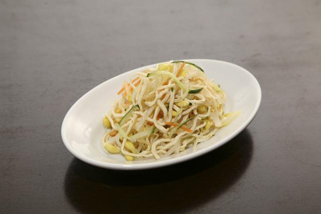 糸切り推し豆腐の冷菜