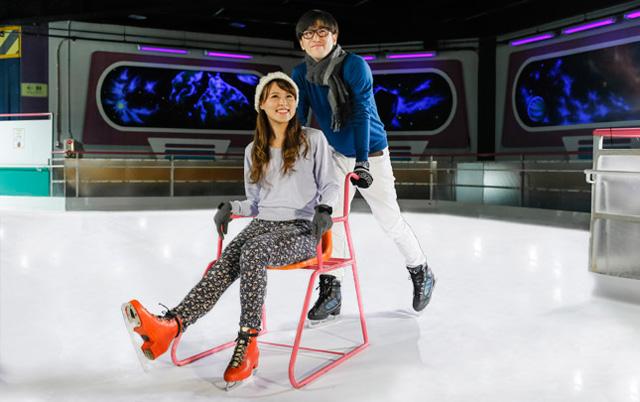 スペワのアイススケート『フリージングポート』明日オープン!
