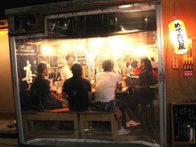 天神に出現した「屋内型屋台」という新ジャンル!寿司も食べられる「博多めでたい屋」は福岡の屋台界に革命を起こすかもしれない