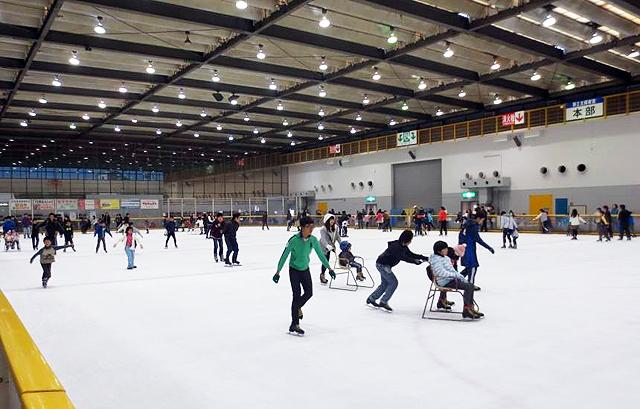 北九州唯一の国際規格スケートリンク「北九州アイススケートセンター」23日オープン!