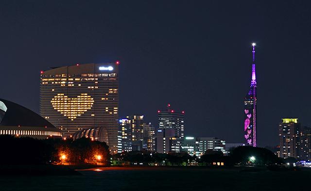 一夜限りの同時点灯「福岡タワー × ヒルトン福岡シーホーク」