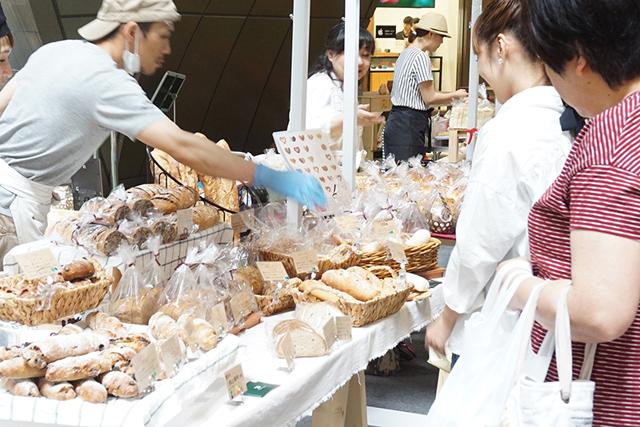 リバーウォーク北九州に、人気のパン屋が大集合!「パンカーニバル」開催