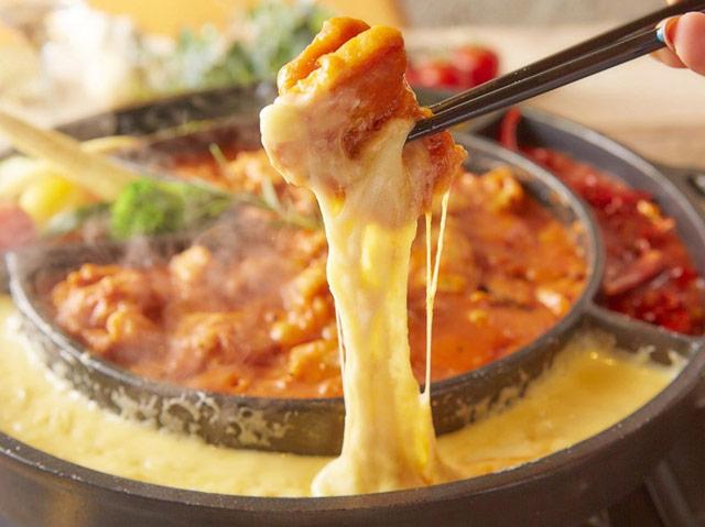 絶品チーズ料理を楽しめる「CHEESE SQUARE 福岡天神店」オープンへ