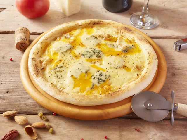 クアトロフォルマッジョピザ