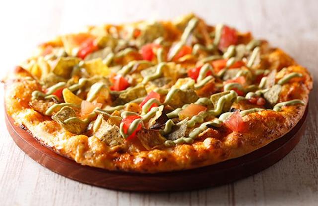 『シェーキーズ』の月替わりピザ、7月は「HOT ナチョスピザ」