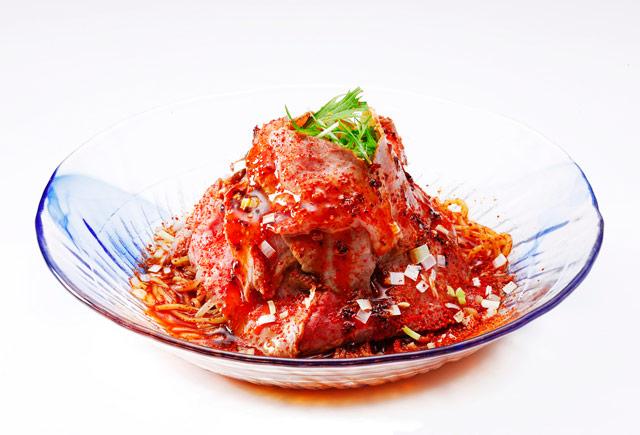 大阪王将の西日本エリア限定『炎のローストビーフ冷麺』発売開始