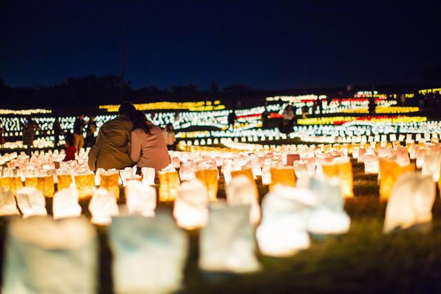 壮大な光の地上絵「うみなかクリスマスキャンドルナイト」デザイン募集中!