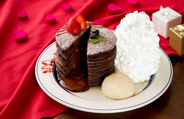 エッグスンシングスから『フォンダンショコラパンケーキ』期間限定発売