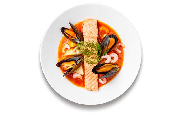「魚介のトマト&サフラン キャセロール風」IKEA FAMILYメンバー限定価格 999円/通常価格 1,190円