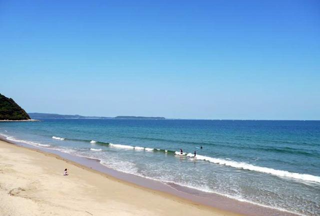 歩くとキュッキュッと鳴る不思議な海岸!糸島市二丈鹿家「姉子の浜(鳴き砂)」