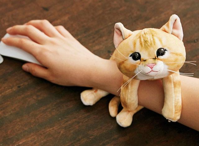 フェリシモから「子猫のアームレスト」販売開始