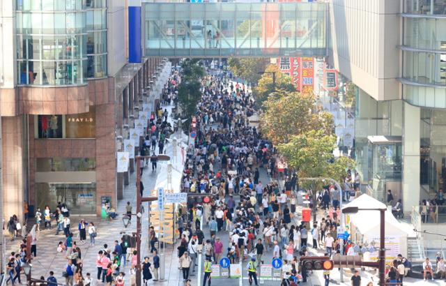 きらめき通りがファッションで彩られる2日間!天神の「きらめき通り」が歩行者専用道路に!