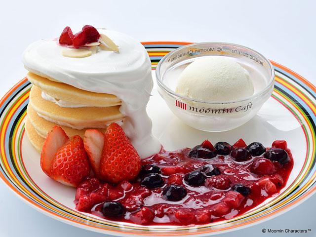 4種のベリーパンケーキ