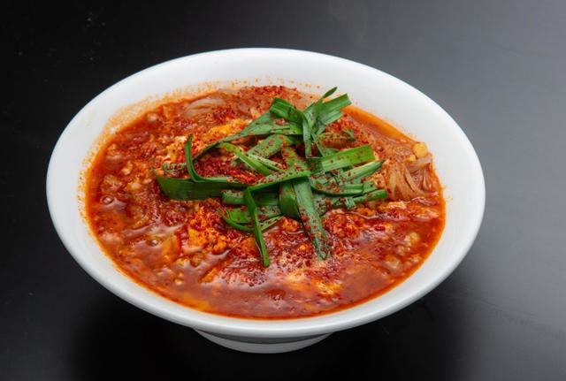 4種類の中から選べる新ジャンルの究極辛麺「総本家 博多辛麺 狛虎」オープン!