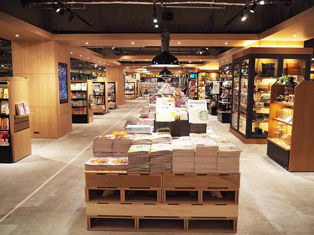 TSUTAYA 天神駅前福岡ビル店がリニューアルオープンし『TSUTAYA天神ショッパーズ福岡』へ