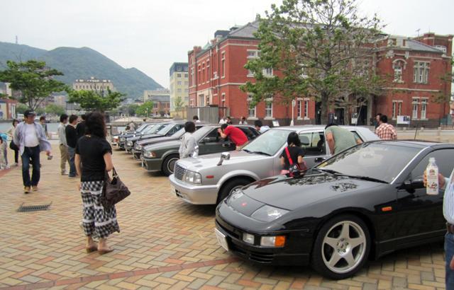 昭和の名車が約100台集合「門司港ネオクラシックカーフェスティバル」開催