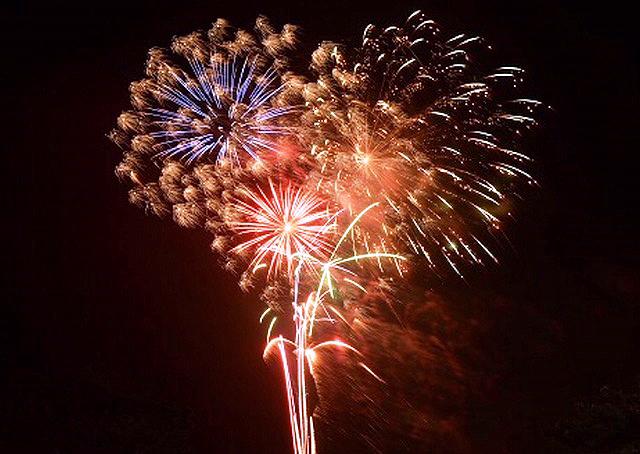 天空の星 花火とカルストの饗宴「平尾台観光まつり」開催へ