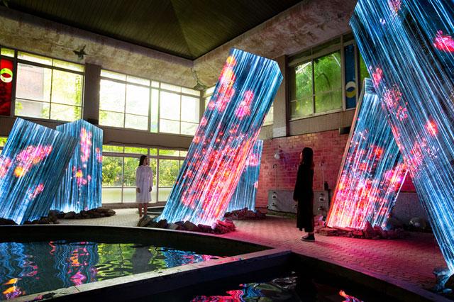 武雄温泉でチームラボ×グランドセイコー「昼間の展覧会」開幕
