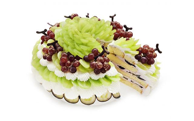 カフェコムサ、8月のショートケーキの日は「ぶどう」