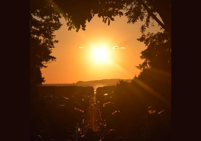 夕日とともに福津に舞い降りるプレミアムな時間!宮地嶽神社(福津市)「光の道ウィーク」