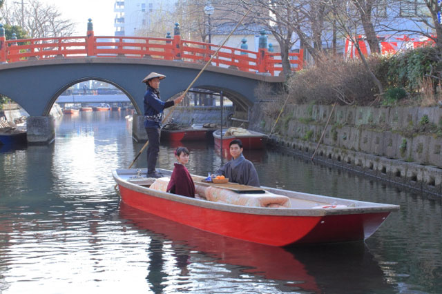 柳川市で冬の「柳川ひまわり園」開園、「こたつ舟」も運行スタート
