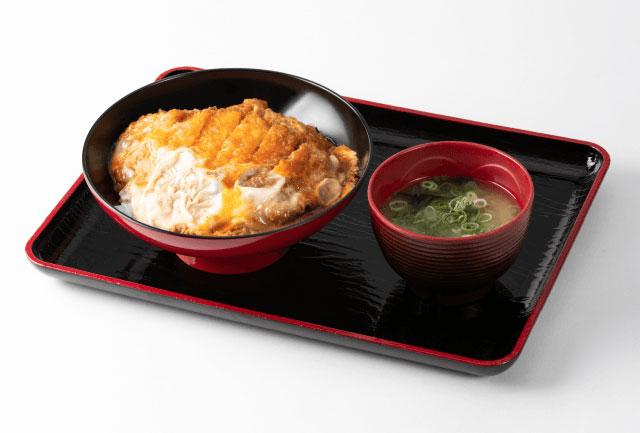 「カツとじ丼」(700円)