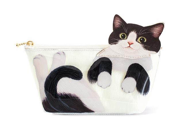 フェリシモ猫部™から「みっちりフィット 猫は液体ポーチ」登場