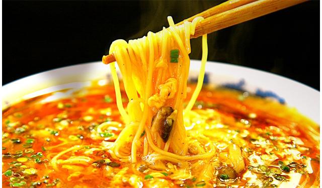 手間を惜しまず美味しさを追求したラーメンを提供「中華麺キッチンまくり 西長住店」10月18日オープン!