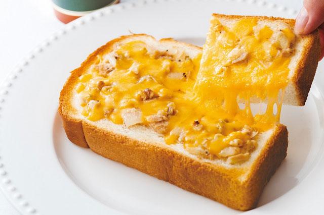 タリーズから「厚切りトースト ツナチェダーウォルナッツ」新発売へ
