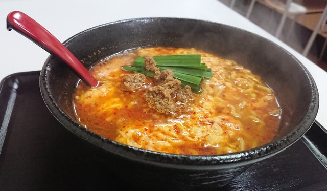 これぞ博多の辛麺!「博多辛麺 鶴 商店 大手門店」オープン!