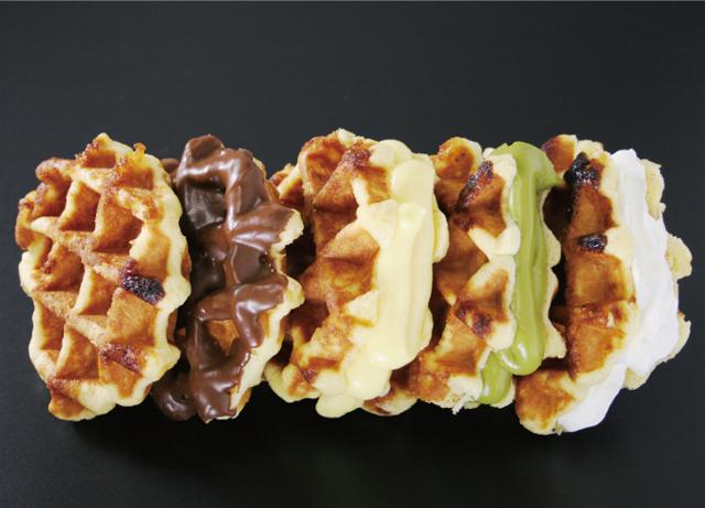 ベルギーワッフルにクリームをはさんだケーキのような商品が人気のお店「LULU WAFFLE」博多に期間限定オープン