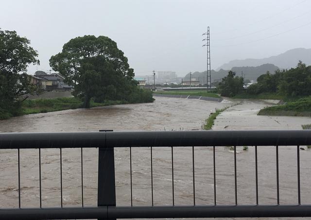 筑後南部大雨特別警報続く