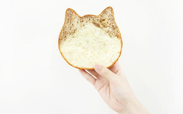 ねこねこ食パン、8月限定フレーバーは「ロイヤルミルクティー」