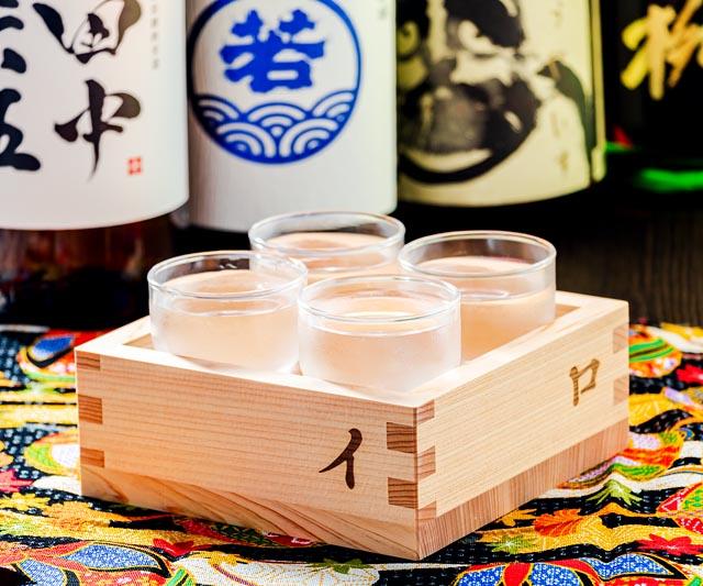 福岡屈指の銘柄が味わえる、イロハニ升「福岡の日本酒飲み比べ 790円(税別)