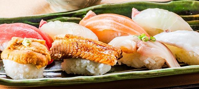 にぎり寿司 2貫290円(税別)~