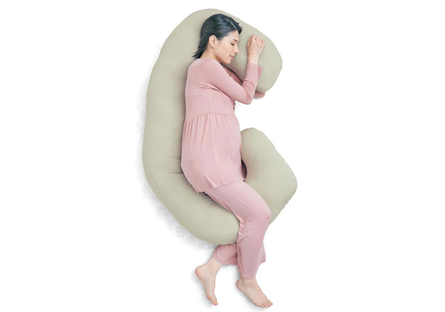 妊婦さんのための抱き枕 『背中も支える抱き枕』ベルメゾンから新発売へ