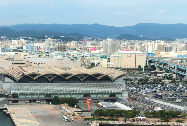 「緊急事態宣言 福岡」映画館 展示場 運動施設などの施設 営業時間は午後8時まで